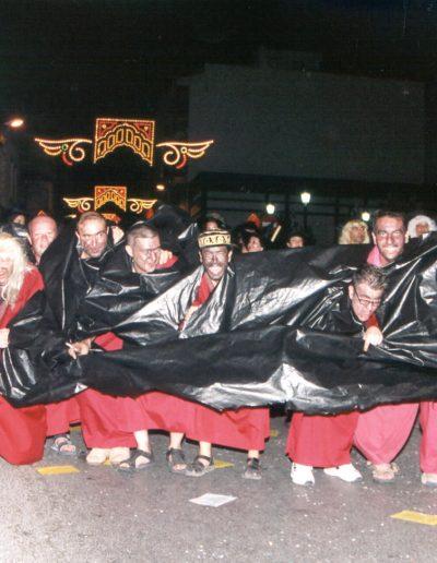 2003 R Vi i dones